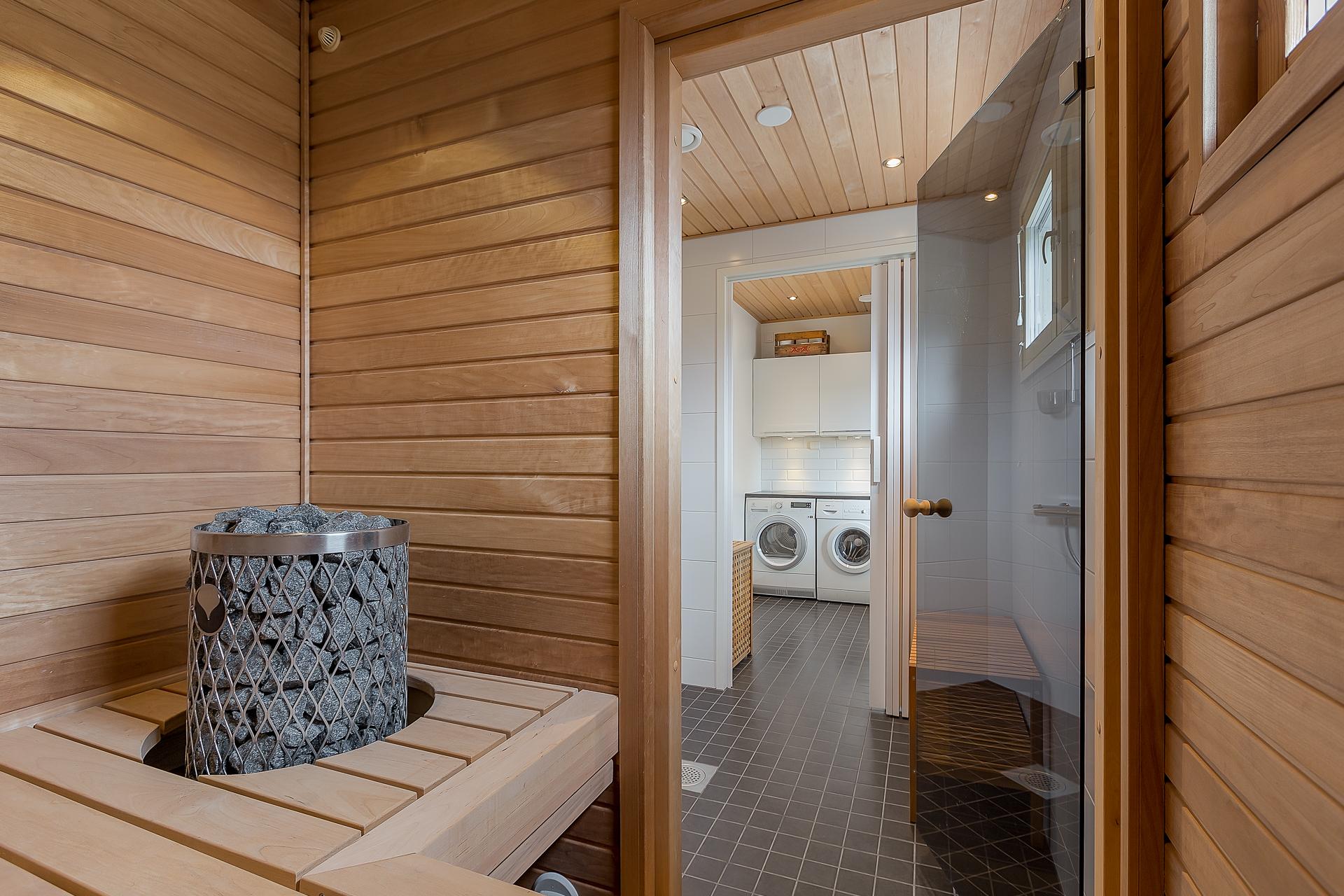 Kylpyhuone ja saunaremontti hinta